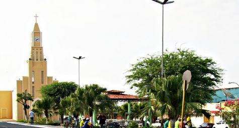 Após decisão judicial, prefeita chama servidores demitidos em Olho D'Água das Flores