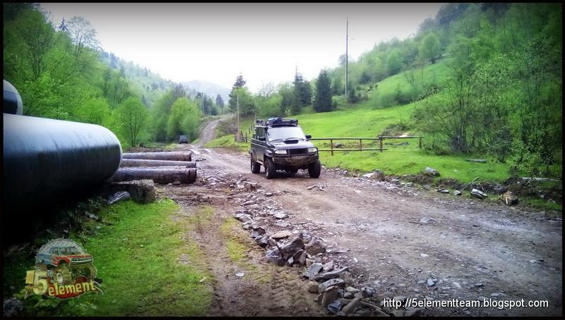Спуск в село Немецкая Мокрая на внедорожнике