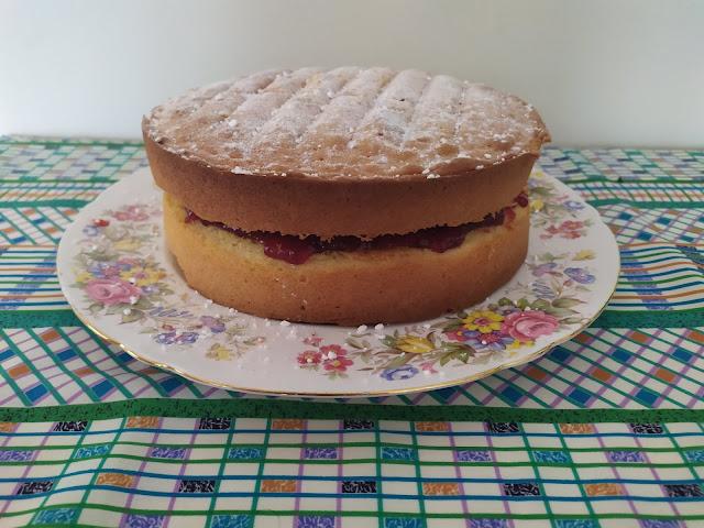 Delicious Victoria Sponge Cake Recipe