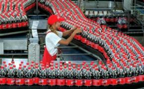 Coca-Cola interrompe produção na Venezuela por falta de açúcar