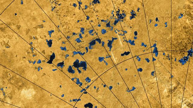 lagos e lagoas em Titã