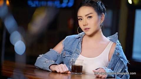 Lirik Lagu Iva Lola - Woi Ngopi