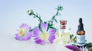 Minyak atsiri adalah suatu zat dengan bau khas yang terdapat di dalam tanaman. Cara mendapatkan minyak atsiri adalah dengan destilasi, pengepresan,  ekstraksi, dan adsorbsi
