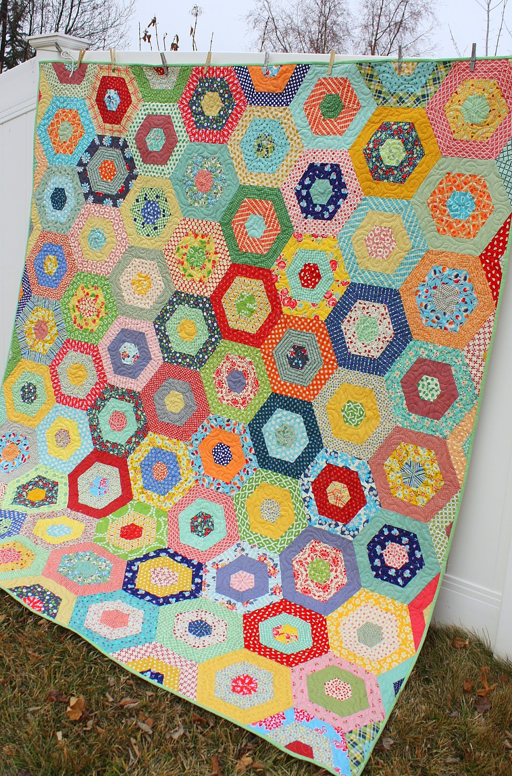 Scrappy Giant Hexagon quilt - Diary of a Quilter - a quilt blog : merry go round quilt - Adamdwight.com
