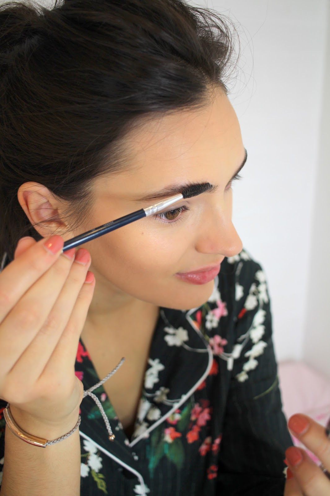 eyebrow hacks peexo beauty blogger