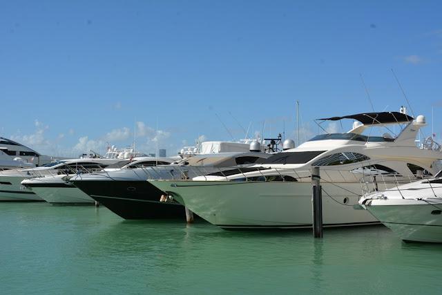 Miami Beach harbour yachts