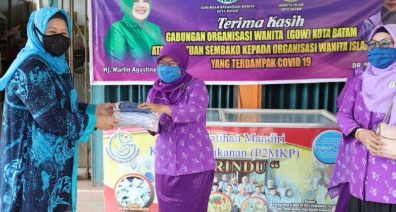 Ketua GOW Kembali Bagikan Bantuan untuk Organisasi Perwata dan WI Kota Batam
