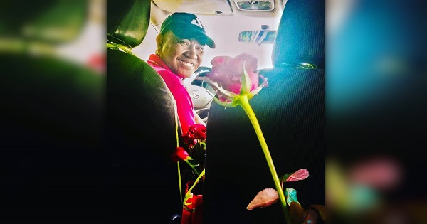 This taxi driver goes viral for sweet gesture to passengers