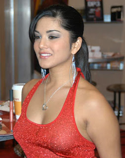 Sunny Leone red top wallpaper