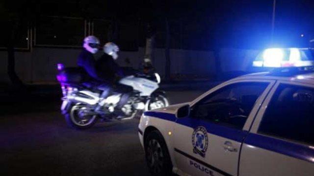 Επιχείρηση της αστυνομίας σε στέκι ακροδεξιών με πληροφορίες από την εγκυρότατη ΣΥΡΙΖΟΕΡ και λοιπες έγκυρες αριστερές σελίδες!