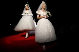 Белое платье невеста от Dolce & Gabbana