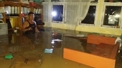 Ribuan Korban Banjir Solok Dievakuasi, BPBD Sumbar Salurkan Bantuan