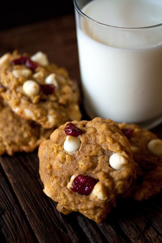 THE BEST PUMPKIN OATMEAL COOKIES