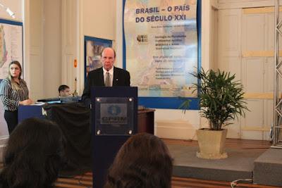 Audiência pública é oportunidade de dialogar com a sociedade, avalia diretor-presidente.