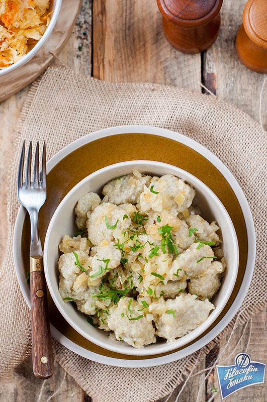 Kluski kładzione z surowych ziemniaków