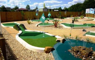 Peterborough Minigolf at Dobbies Garden Centre, July 2015