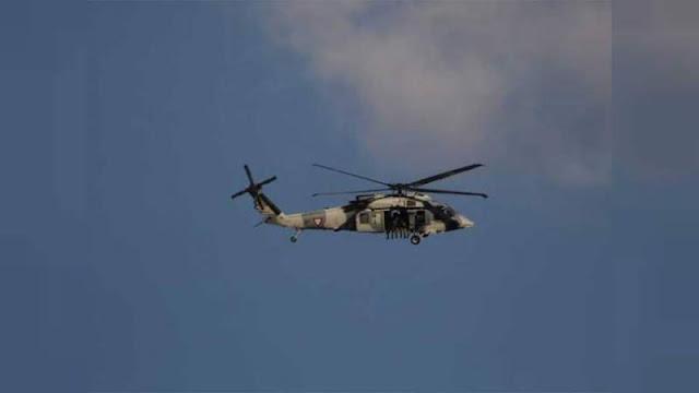 Un Helicóptero artillado es captado realizando descargas desde al aire a integrantes del CJNG en Tepalcatepec, Michoacán