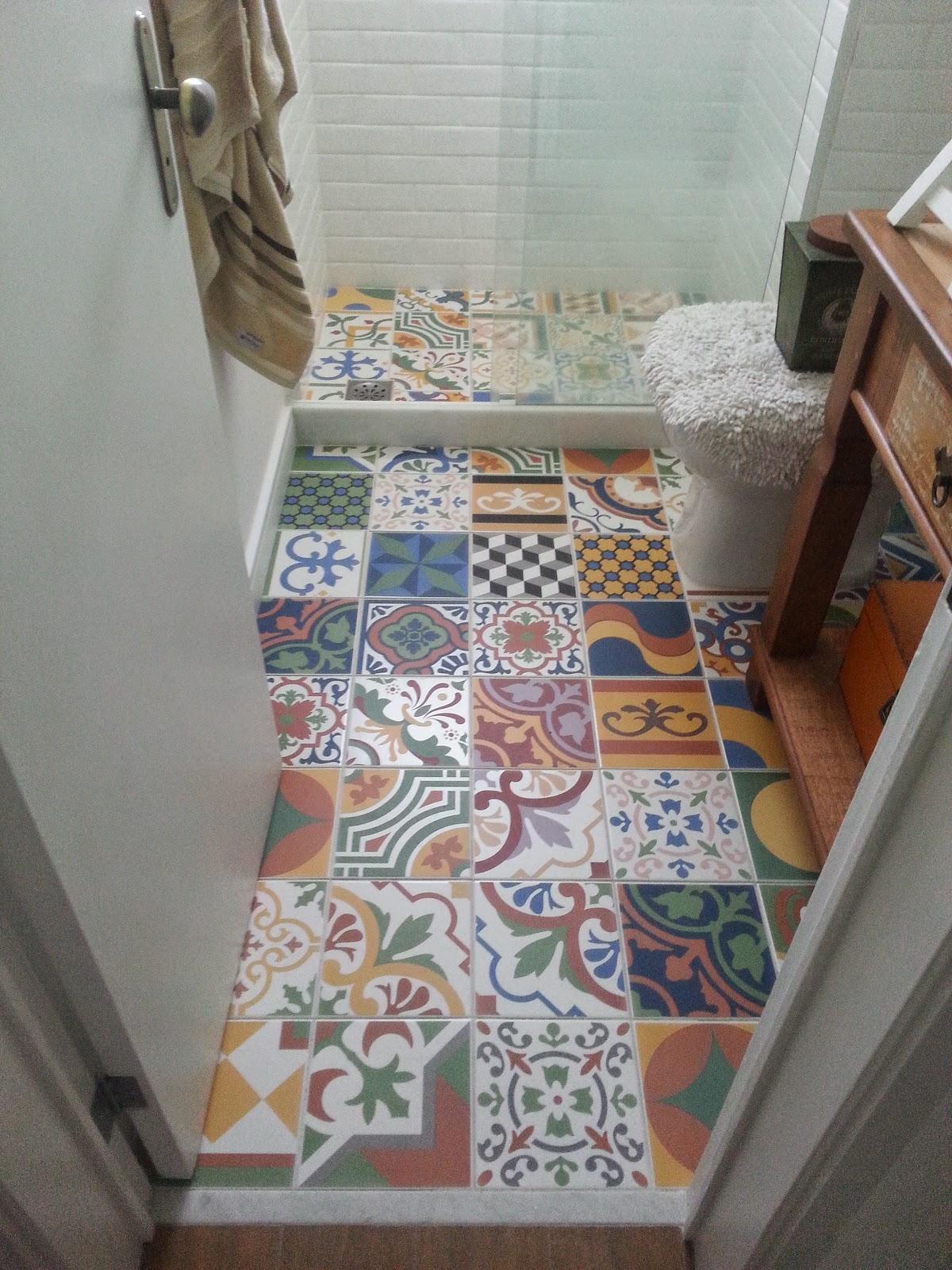 Piso banheiro porcelanato de ladrilho hidraulico for Imagenes de pisos decorados