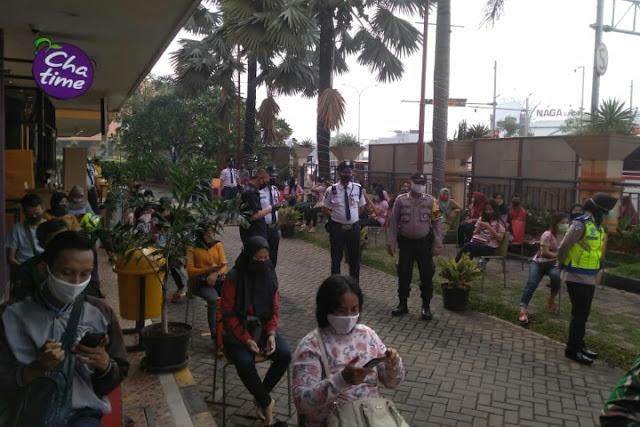 Polres Metro Bekasi Lakukan Rapid Tes Pada Pegawai dan Pengunjung SGC