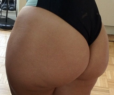 pawg booty shaking