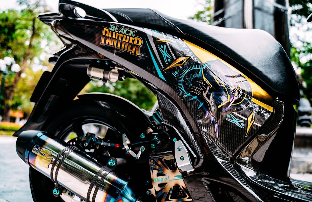 Biker Hà Nội chi 700 triệu đồng độ lại Honda SH 150i