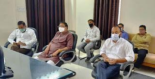 कोरोना नियंत्रण के संबंध में बस संचालकों के साथ बैठक आयोजित