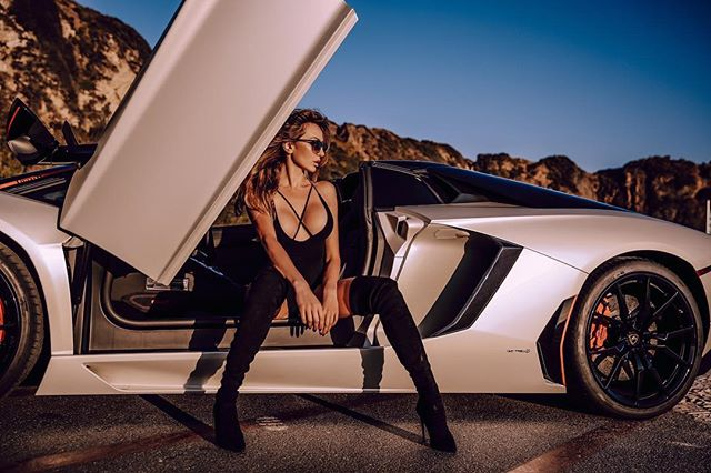 Marina Grace Hot & Sexy Pics