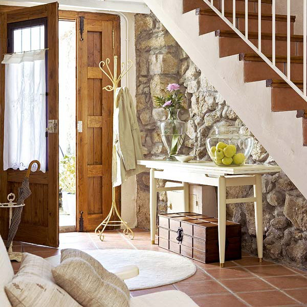 Dormir No Jardim: O Que Tem Debaixo Da Sua Escada?