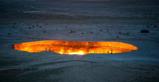 Portão do Inferno continua queimando após 50 anos e não tem data pra acabar - Capa