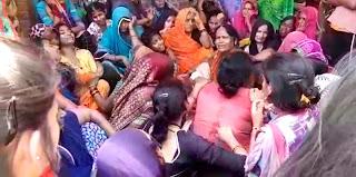 वाहन की चपेट में आने से बालिका की मौत | #NayaSaberaNetwork