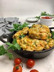 Pataniscas de frango, curgete e cenoura sem fritar