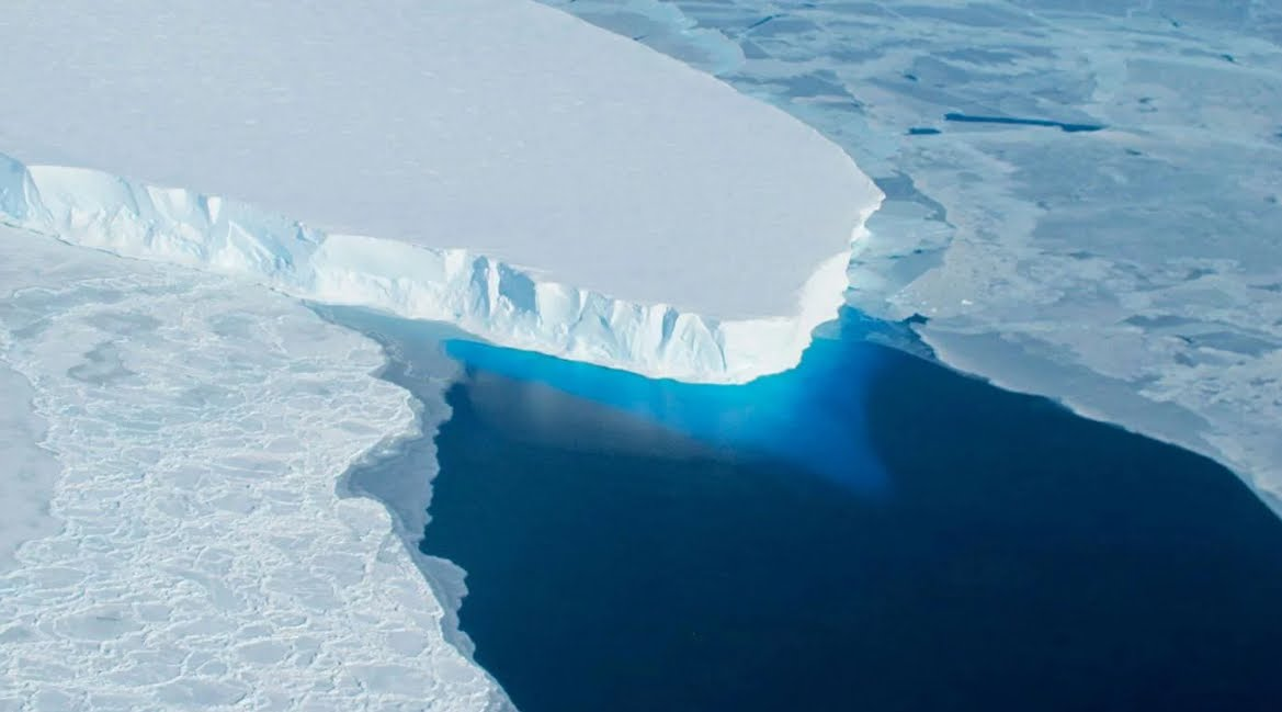 Allerta NASA: gigantesco ghiacciaio in Antartide pronto al collasso.