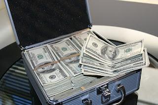 tips menyimpan uang gajian