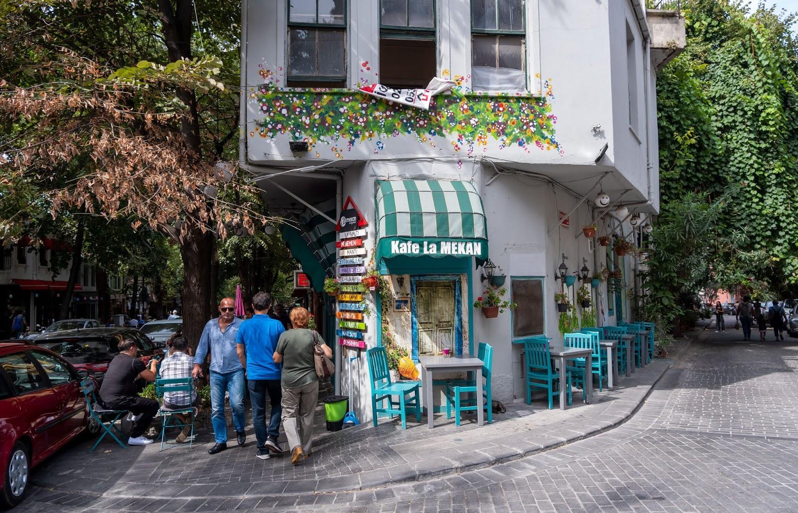 Pretty buildings in Kuzguncuk, Istanbul