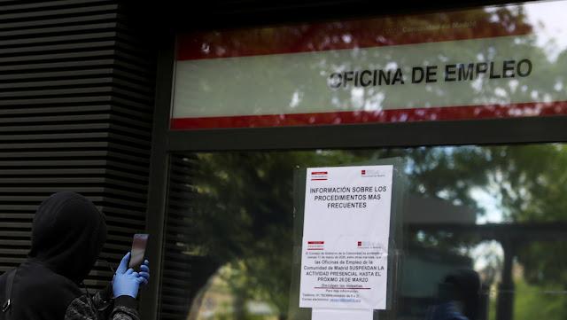 El FMI empeora sus previsiones económicas para España, que se sitúa junto a Italia como el país más afectado por la crisis del coronavirus