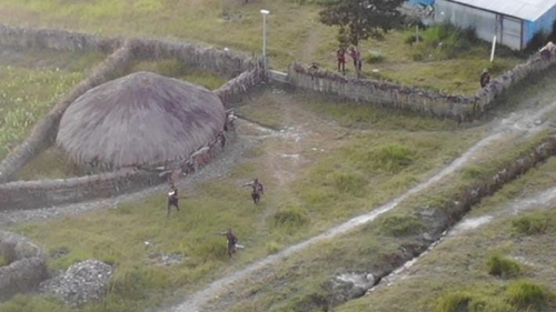TNI-Polri Bikin Kelompok Teroris Bersenjata Kocar-kacir, 1 Orang Tertembak