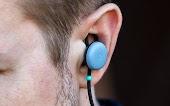 مخاطر ارتداء سماعات الاذن بانتظام