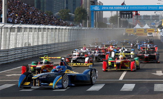 First Formula E race start - Credits : Bloxham / LAT