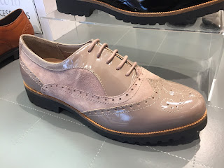 pale pink brogue