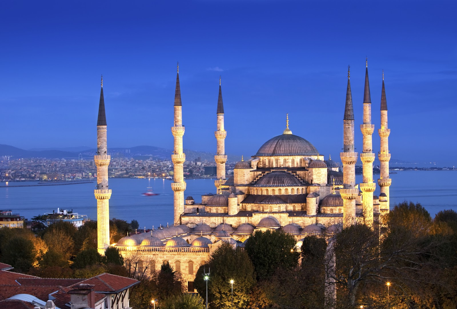 Istanbul Menimbulkan Cinta Saat Dikunjungi Pelopor Wisata Halal