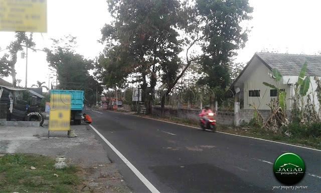 Tanah Luas tepi jalan Tajem