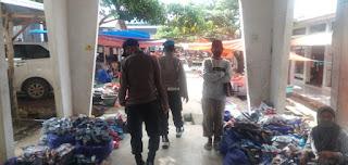 Personel Polsek Maiwa Polres Enrekang Gencar Laksanakan Penegakan Protokol Kesehatan Di Pasar Maroangin