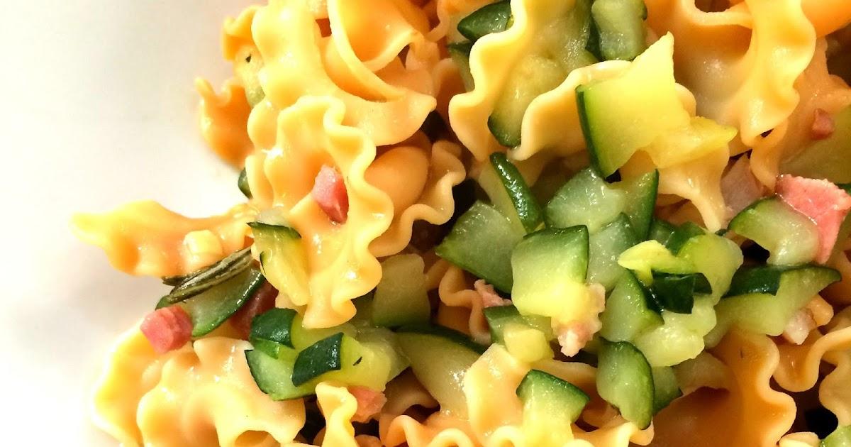 gigli di legumi con zucchine e speck