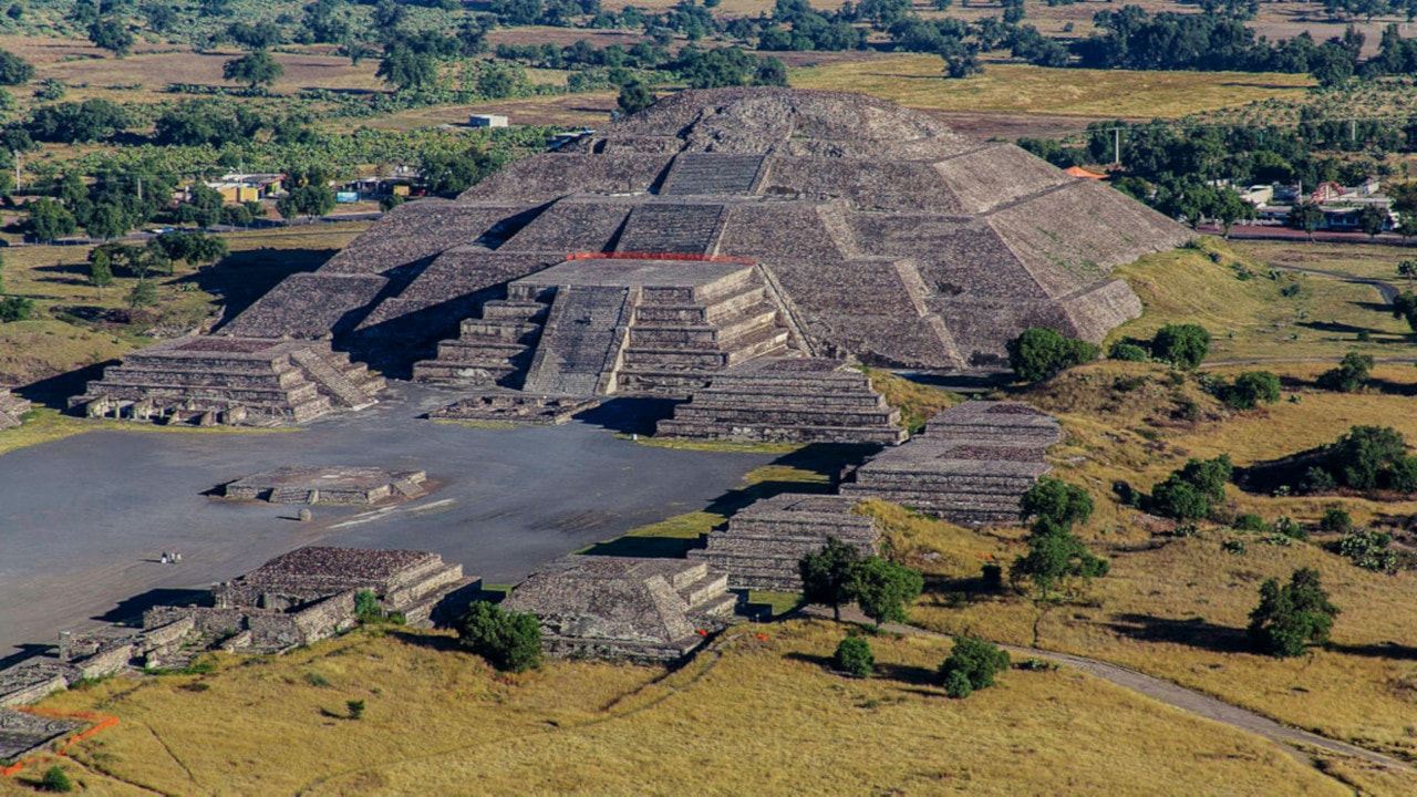 ancient aztec architecture