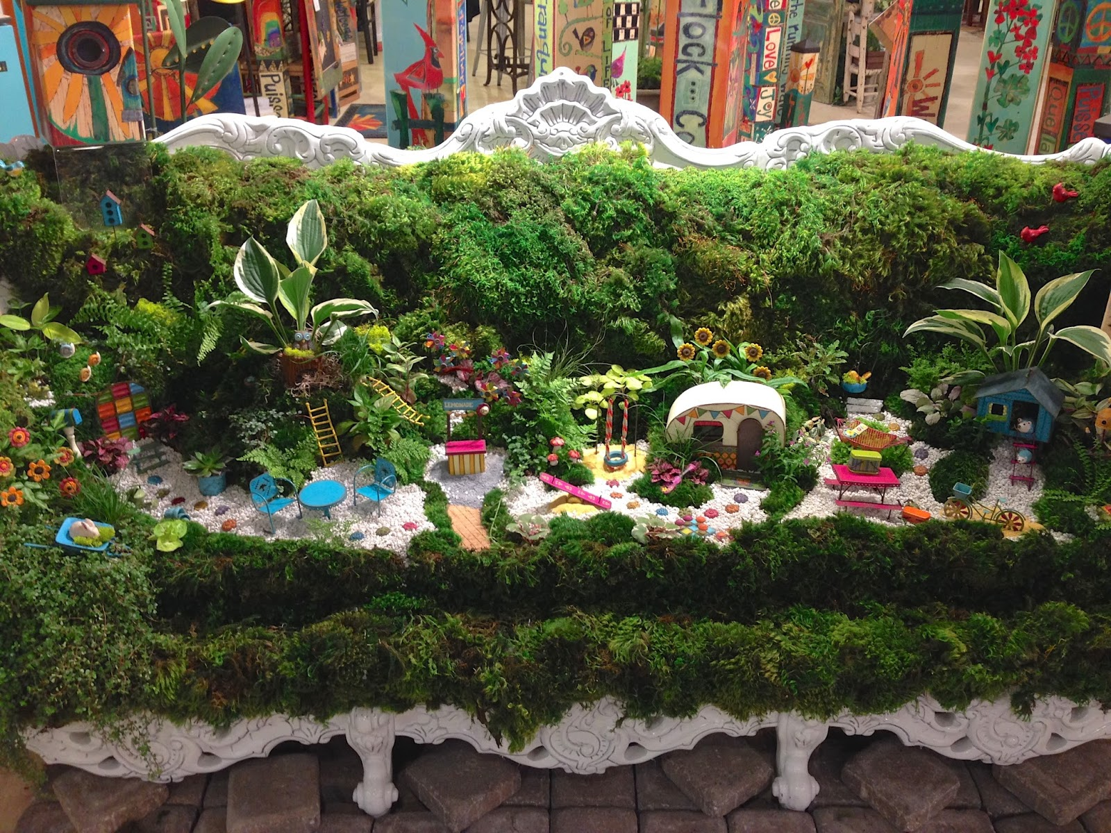 shelley b decor and more: Miniature Garden Idea ~ Garden Sofa