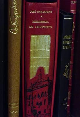 livro com capa decorada