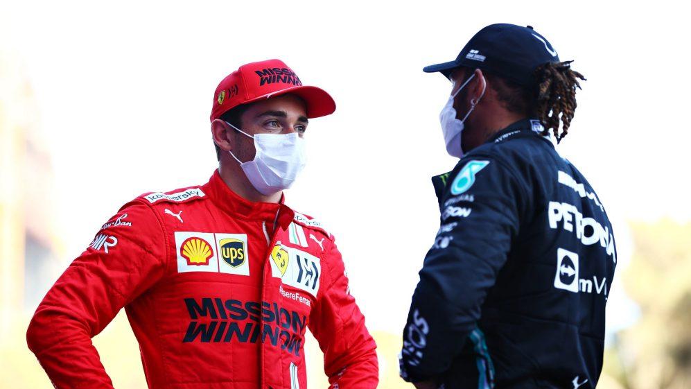 Leclerc se beneficiou de um reboque do rival Hamilton em sua primeira volta para uma volta que foi boa o suficiente para a pole