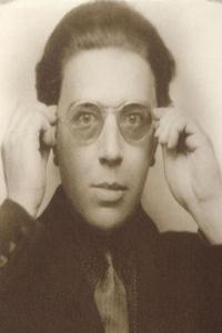 André Breton, iniciador del surrealismo y uno de sus máximos exponentes