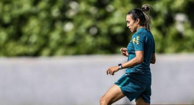 Vadão confirma ausência de Marta na estreia da Copa do Mundo