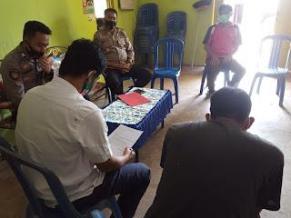 Silaturahmi Di Kantor Desa, Kapolsek Curio Berikan Arahan Seperti Ini Pada Kepala Dusunnya